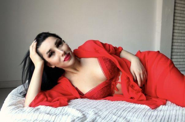 Марина, 27 лет — эротический массаж пениса