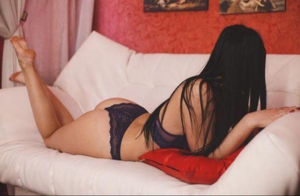 Алина гарантирует невероятный секс после массажа